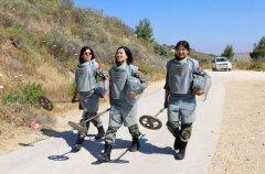 95后女军人首次执行维和扫