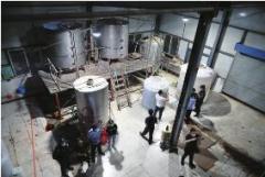 奶粉加工厂成制毒厂 缴获制毒原料20余吨